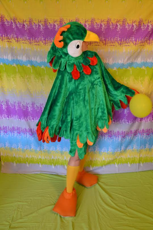 Auguma lelle: Zaļā papagaiļa kostīms